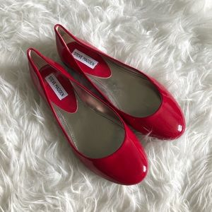 Steve Madden Sz 8 Red Faux Patent Flats P Heaven